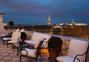 Шикарные Новогодние праздники в Париже