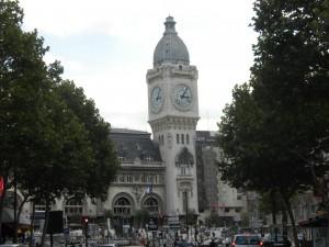 Никогда не поздно найти отель на Рождество в Париже